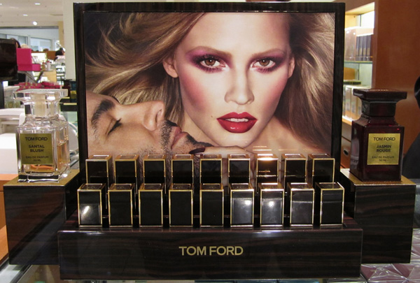 Tom-Ford-lipstick-display.jpg