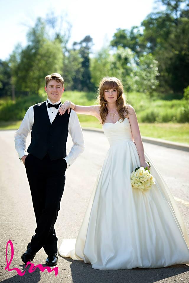 Bride: Leanne  Photographer:  HRM Photography