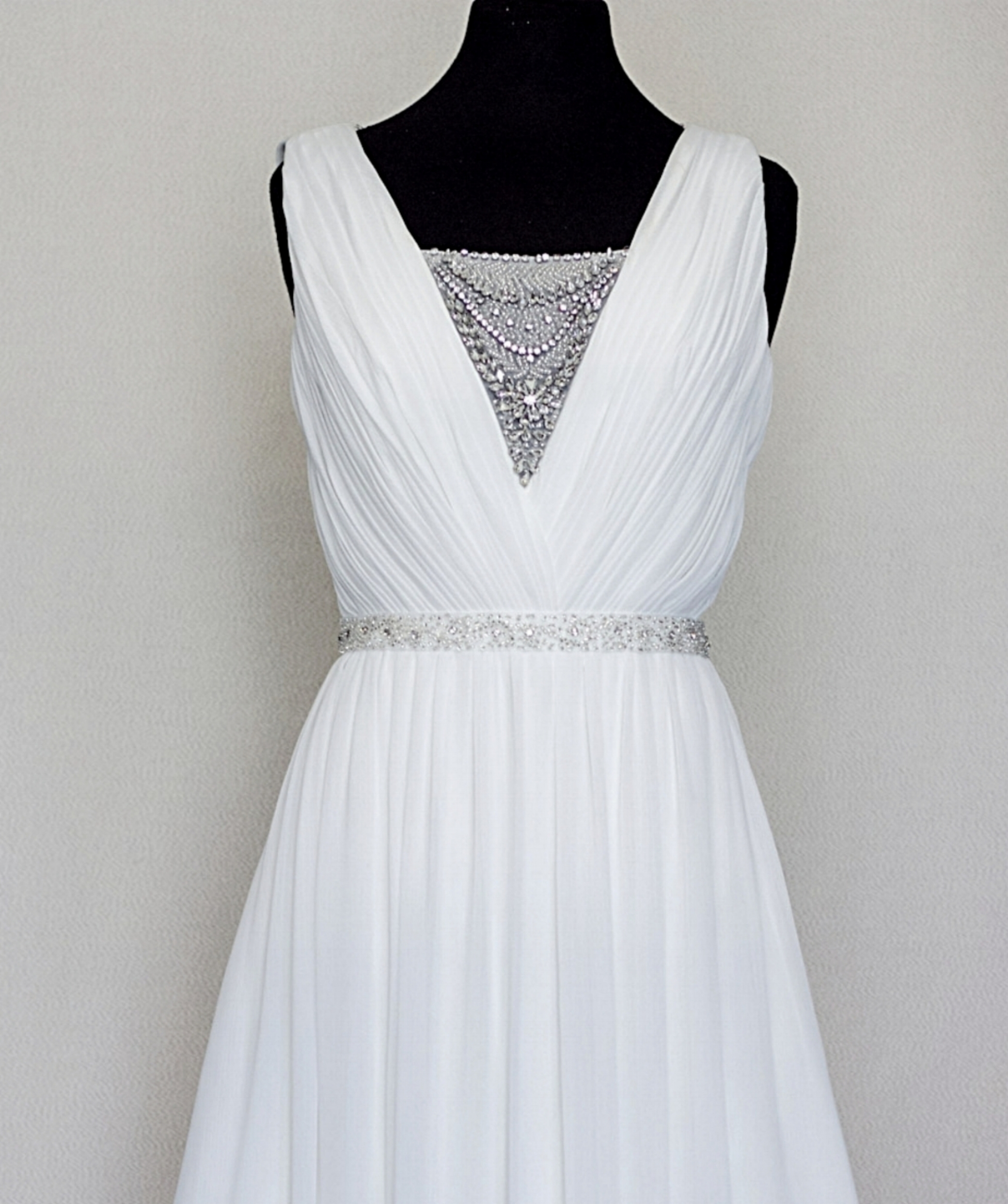 This dress gives us all the Gatsby vintage feels!