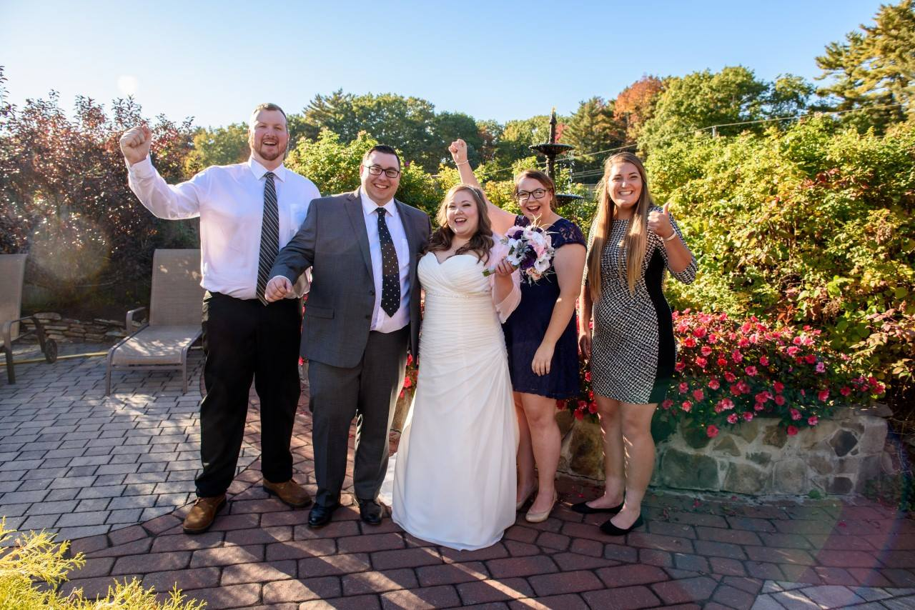 Kayla eloped with a few friends present in Maine.