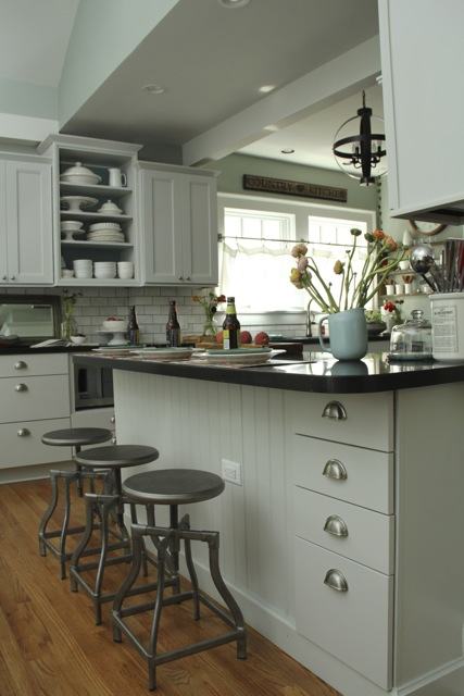 kitchen-gray-shaker-design-2-light-gray-kitchen-cabinets.jpg
