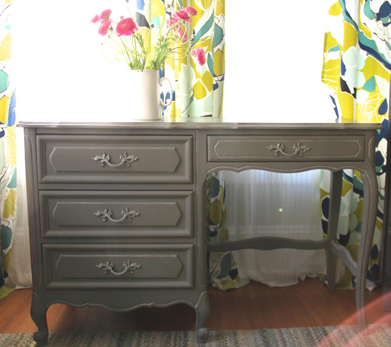 gray-desk