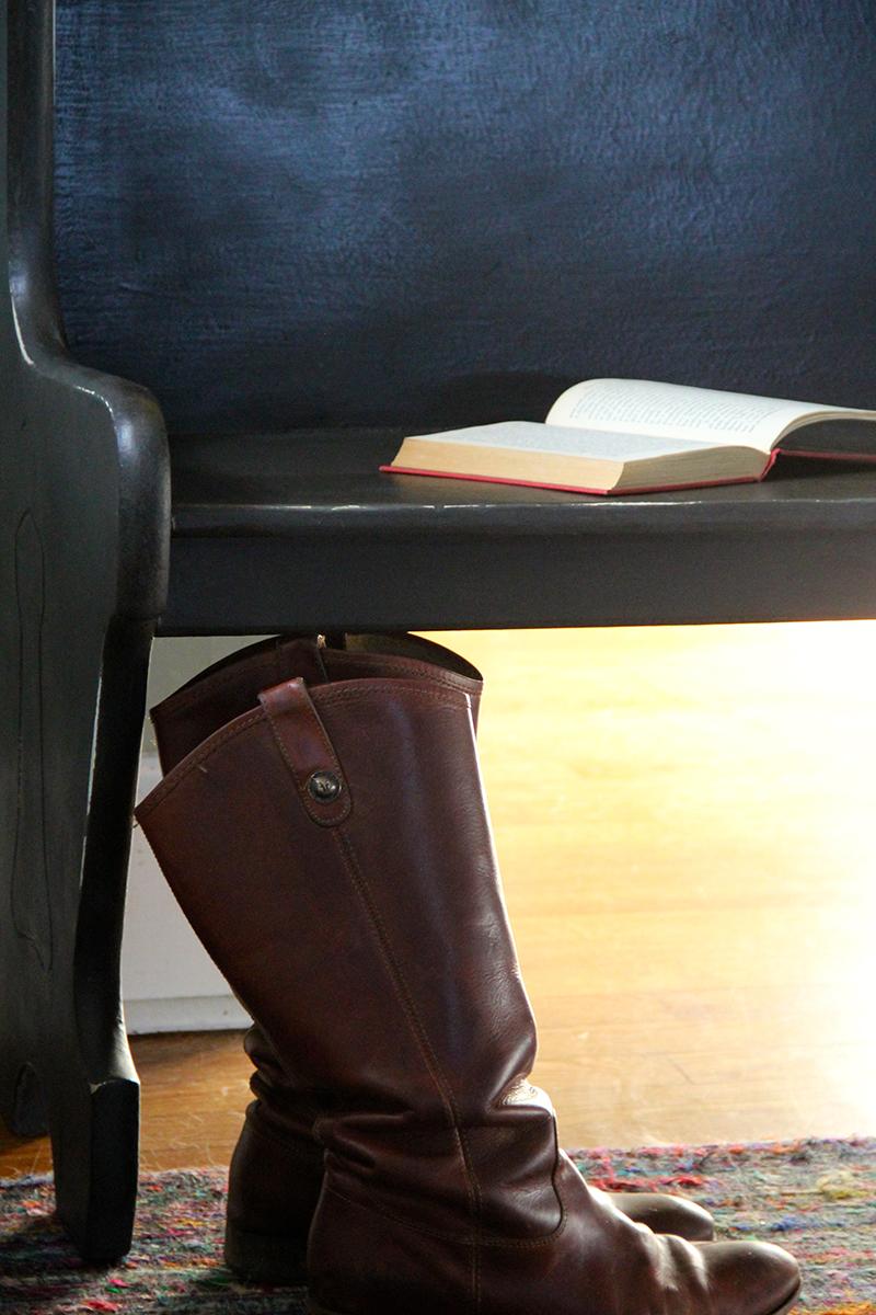 antique-black-bench