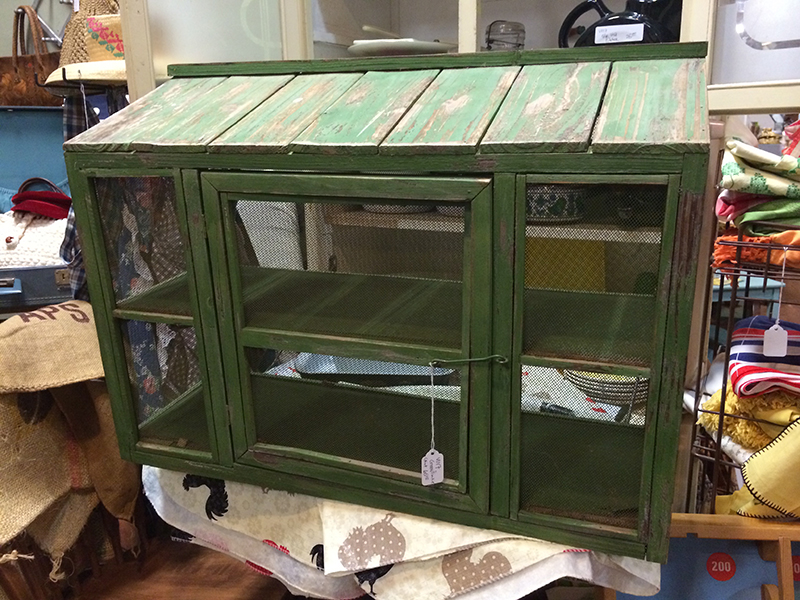 Hey pretty green chicken coop looking thing, where have you been all my life?! Not entirely confident what its purpose is/was, but I like it!