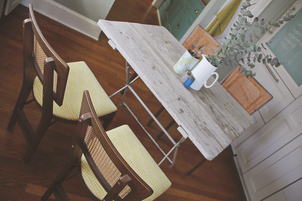 a-simpler-design-jo-torrijos-antiques-vintage-mid-century-folding-chairs-stakmore-reupholstery