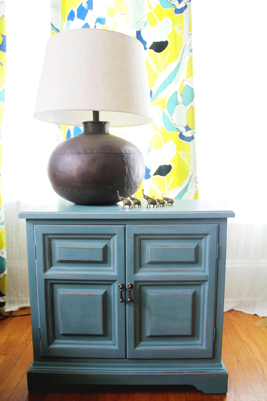 a-simpler-design-jo-torrijos-annie-sloan-teal-nightstand-1.jpg