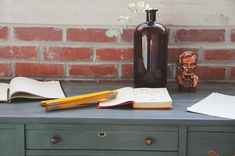 jo-torrijos-a-simpler-design-annie-sloan-chalk-paint-dark-gray-desk