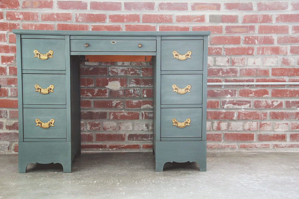 a-simpler-design-jo-torrijos-annie-sloan-chalk-paint-gray-desk-7.png