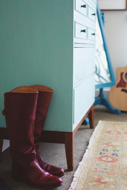 jo-torrijos-a-simpler-design-atlanta-interior-design-ajc-master-bedroom-styled-14.jpg