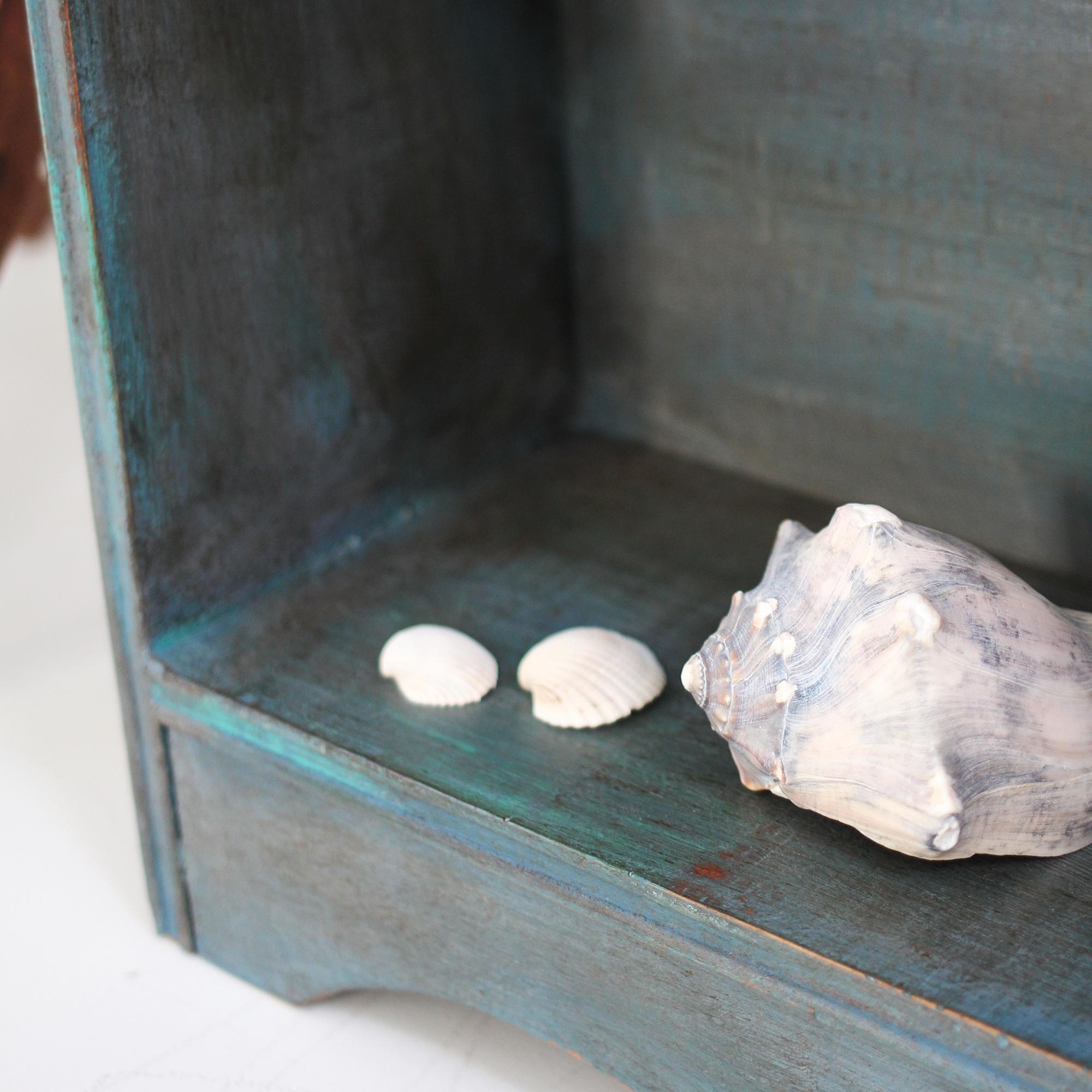 jo-torrijos-a-simpler-design-annie-sloan-chalk-paint-bookcase-atlanta-painted-furniture-10.jpg