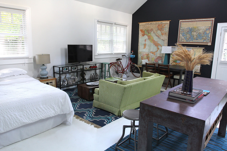 jo-torrijos-states-of-reverie-atlanta-airbnb-modern-bungalow15.jpg