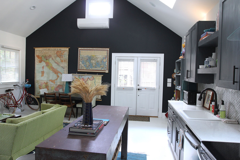 jo-torrijos-states-of-reverie-atlanta-airbnb-modern-bungalow16.jpg