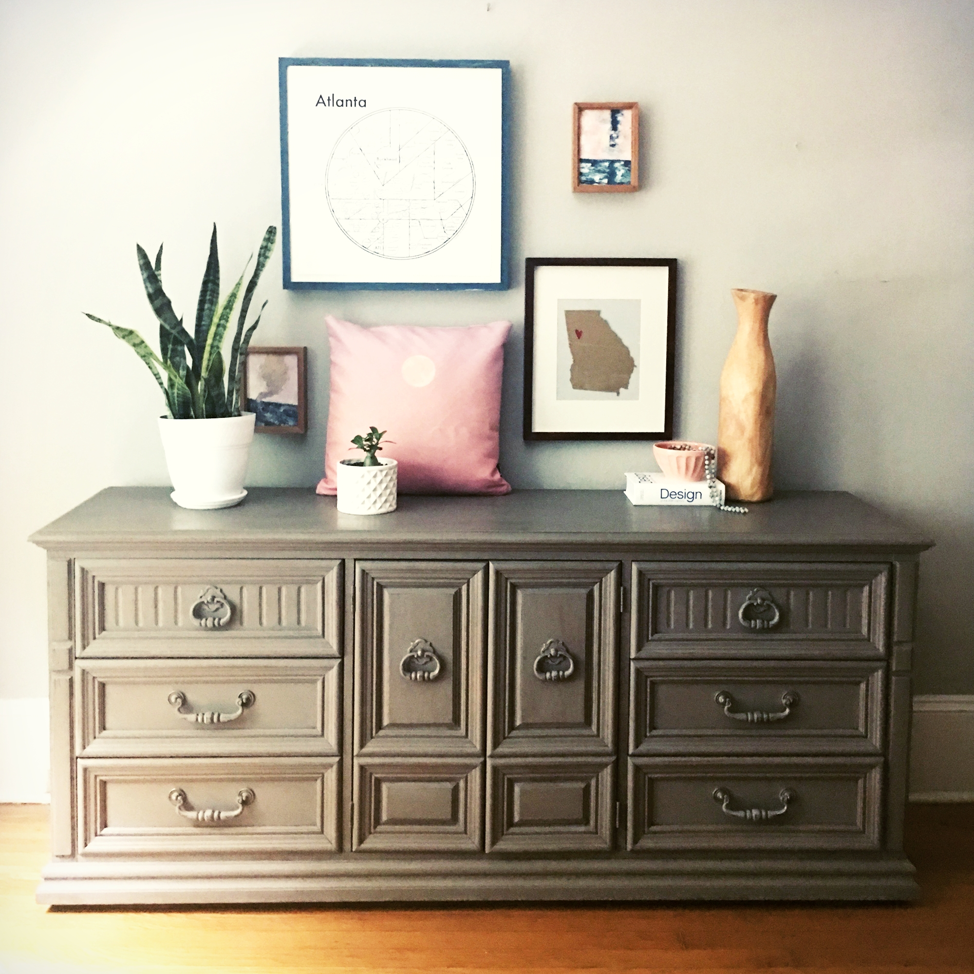 jo-torrijos-a-simpler-design-atlanta-painted-furniture-annie-sloan-cocoa-chalk-paint-dresser-styling-ideas-6.jpg