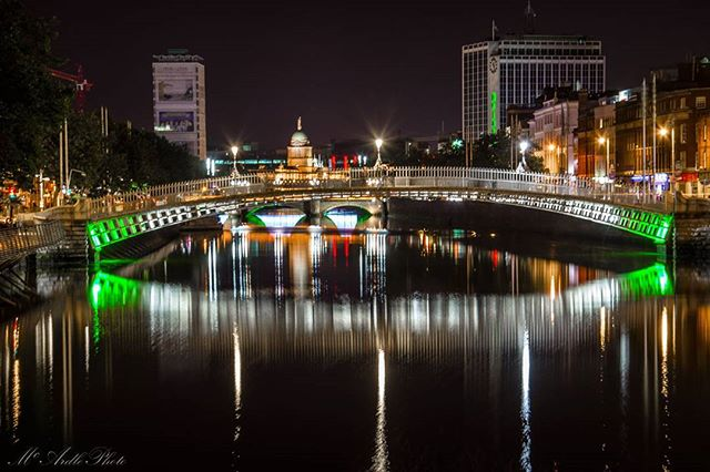 The Ha'penny Bridge in Dublin City by @mcardlephoto. Happy St. Patrick's Day from Ireland 💚💚💚 Use our #pictureireland hashtag to share your best photos and to be in with a chance to be featured on our Instagram and website instagram community page: www.picture-ireland.com/instagram  #Dublin #Ireland #stpatricksday #saintpatricksday #paddysday #2017 #celebrate #photography #landscape #night #hapennybridge #hapenny #patricksday #liffey #riverliffey #irish #pictureireland #proudtobeirish #photo #photograph #dublincity #loveireland #discoverireland #discoverdublin