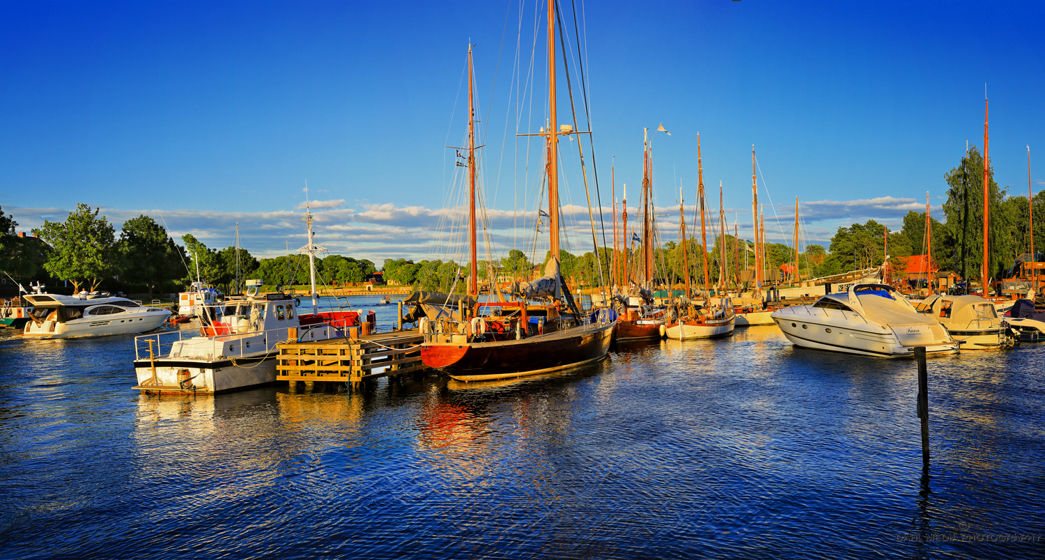 Fredrikstad`s Pearl    IN THE MIDDLE    OF THE CITY    ISEGRAN