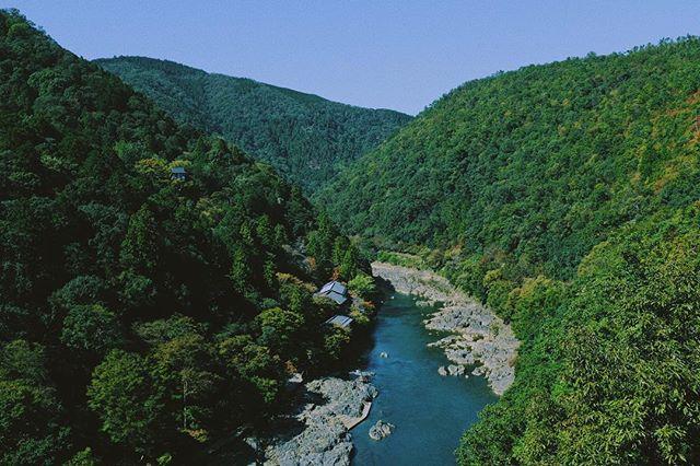 Serene . . . . . . . . . . #x100f #kyoto #japan #fujifilm #fujix100f #rangefinder #landscape #vsco #vscocam