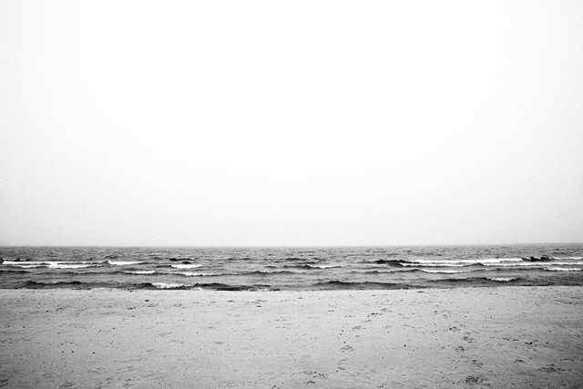 2019 . . . . . . . . . . . . #landscape #beach #chicago #lakemichigan #canon #production #onlocation #photographer #naturephotography #bw #bwphotography #5dsr #outtake #nofilter #vsco #vscocam #midwest