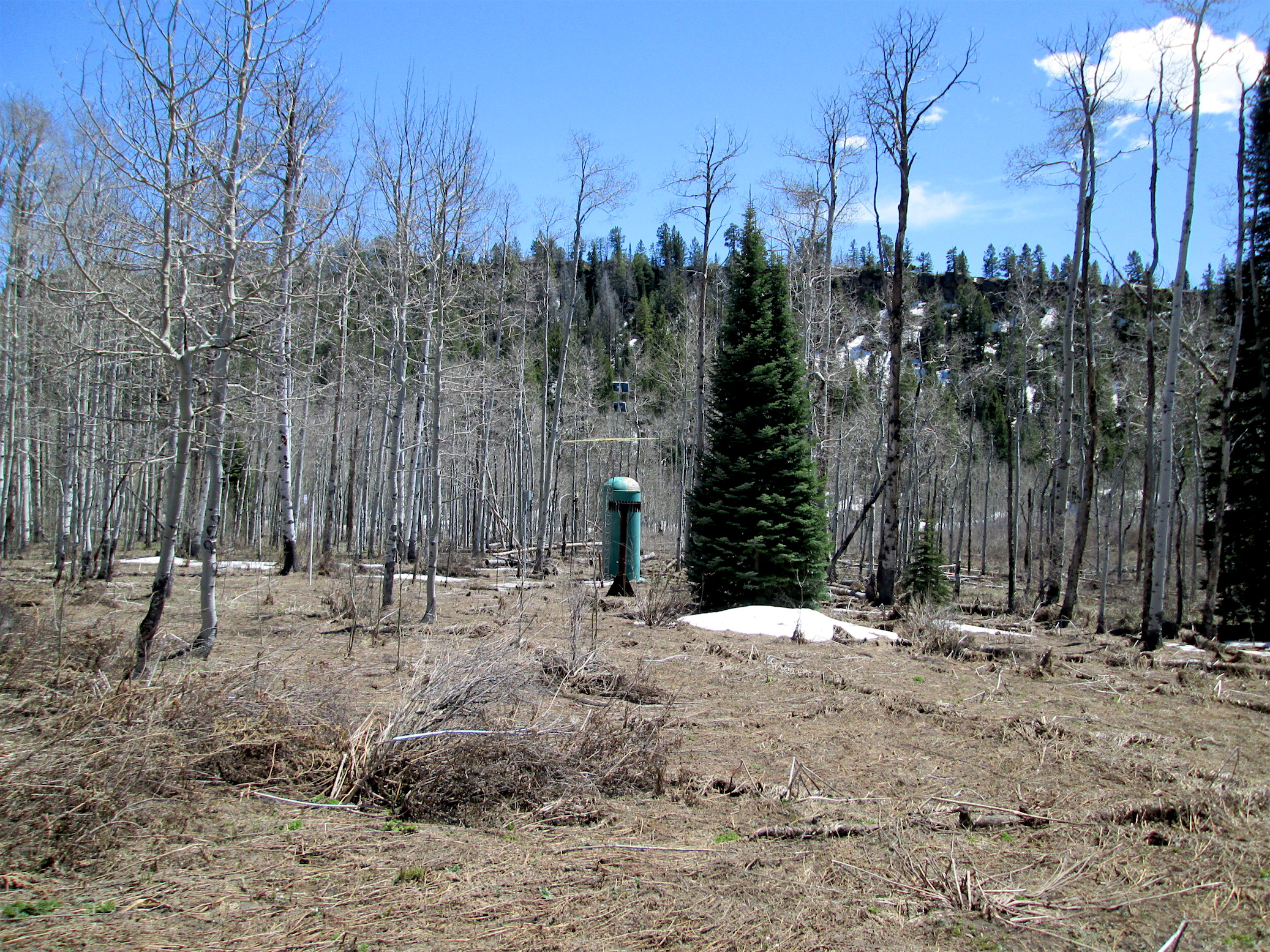McClure Pass on May 13, 2016. Looking in the direction of McClure SNOTEL from the typical CODOS sample point. The snow pillow is completely free of snow.