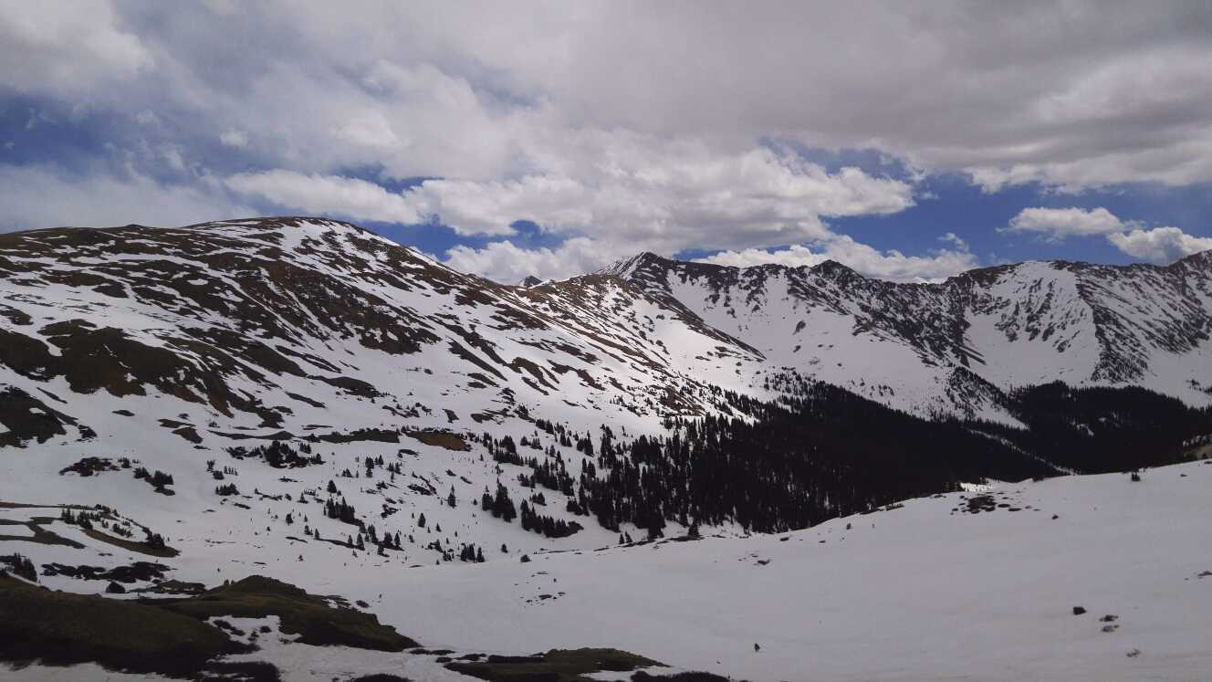 oveland Pass on May 16.  Besides a little bit less snow, the landscape looks very similar as during our May 6 visit.  Compare this photo with the photo in the May 9 CODOS report:  http://www.codos.org/codosupdates/may92017