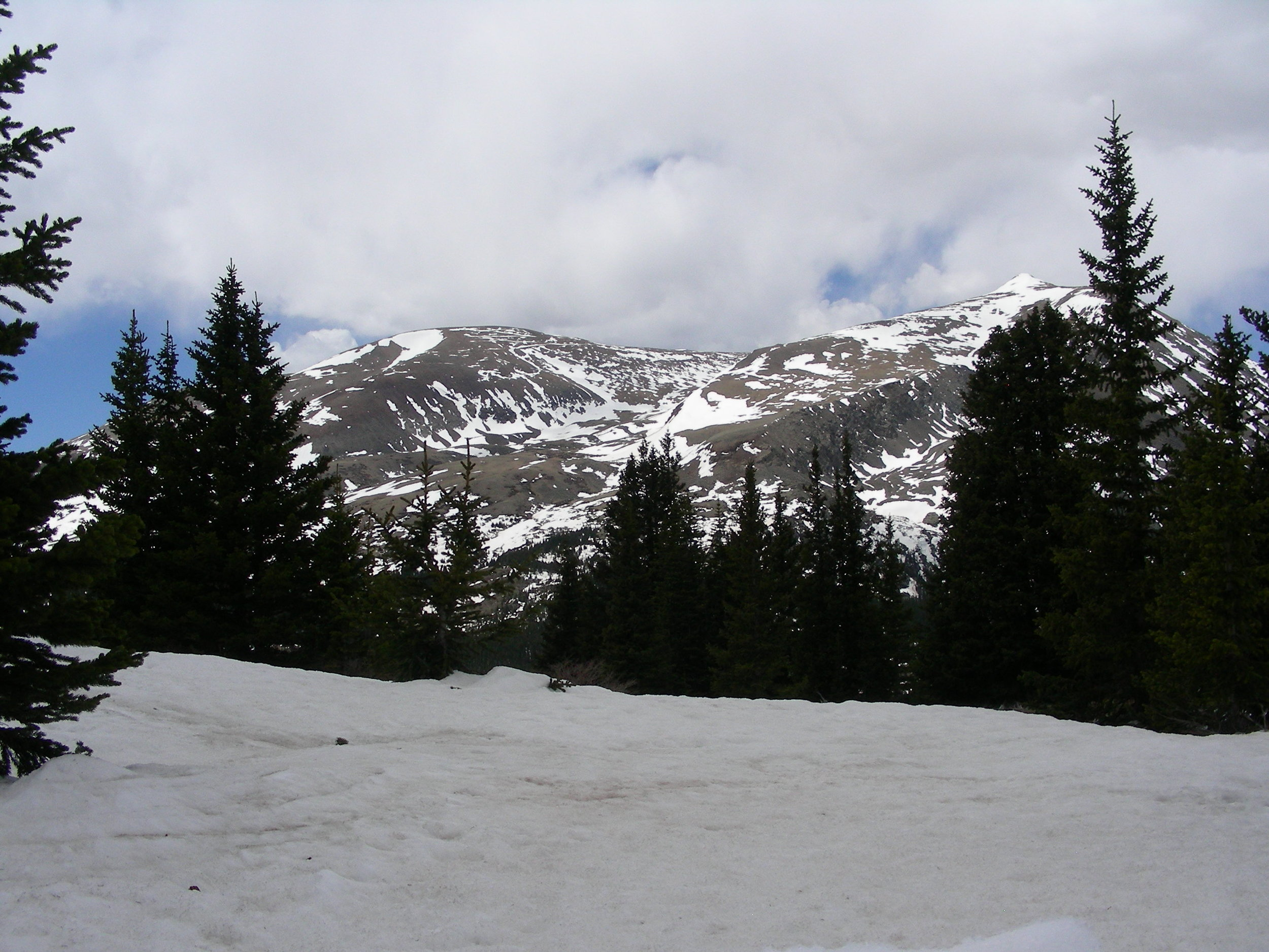 Hoosier Pass.  Where there is snow at higher elevations, dust is easily visible in depositional areas.