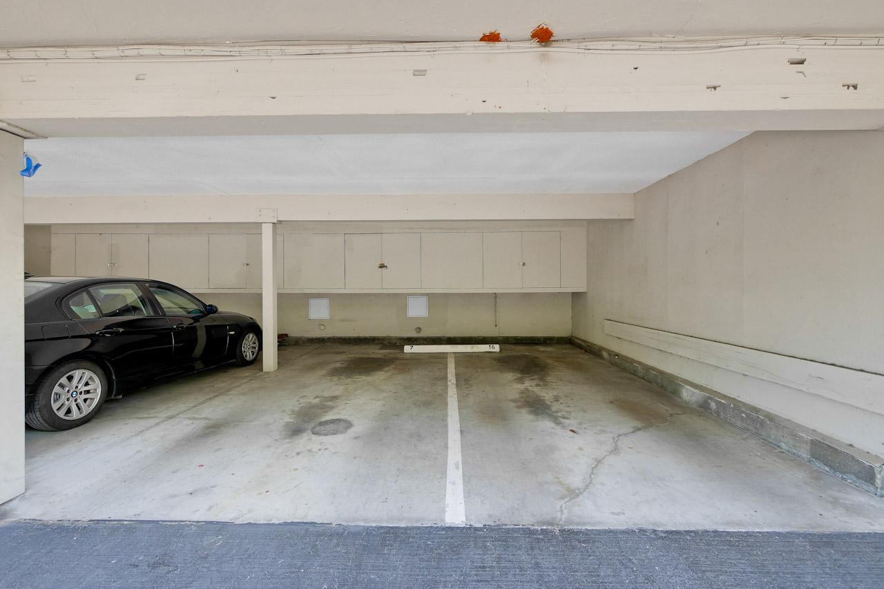 Parking      1_mls.jpg