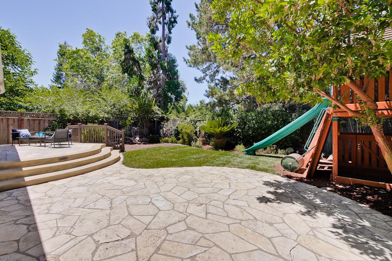 Backyard      11_mls.jpg