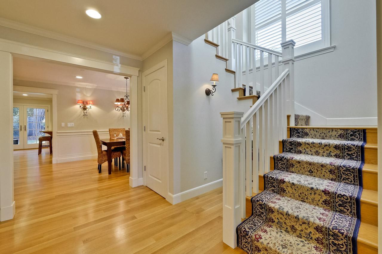 Stairway      1_mls.jpg