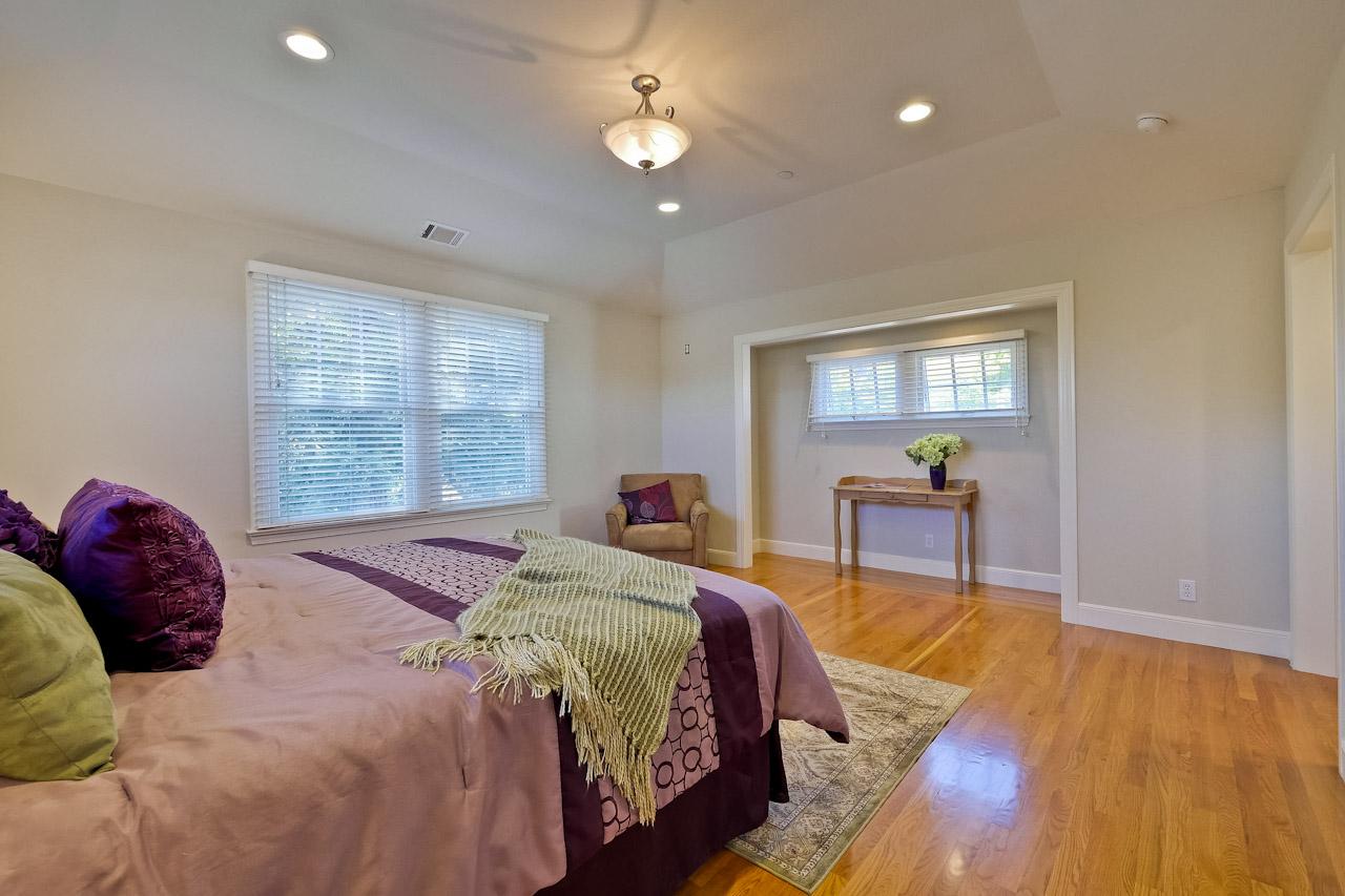 Master Bedroom       4_mls.jpg