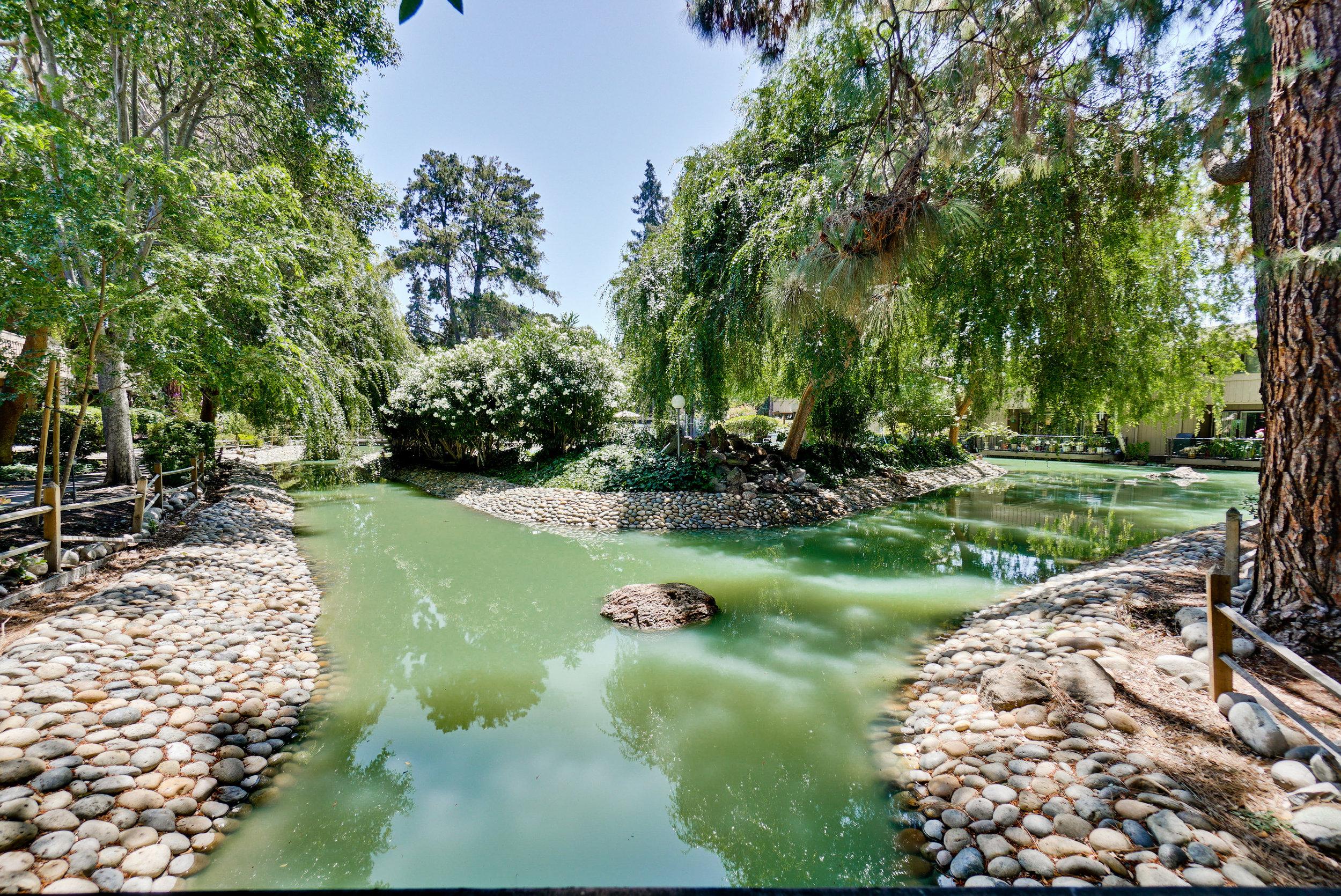 Vista Del Lago Community      6.jpg