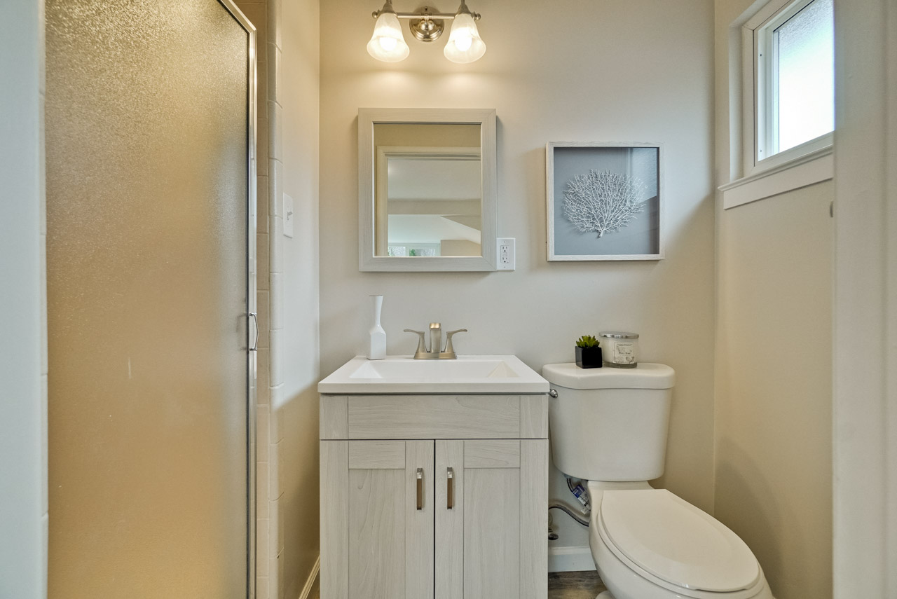 Master Bathroom      3_mls.jpg
