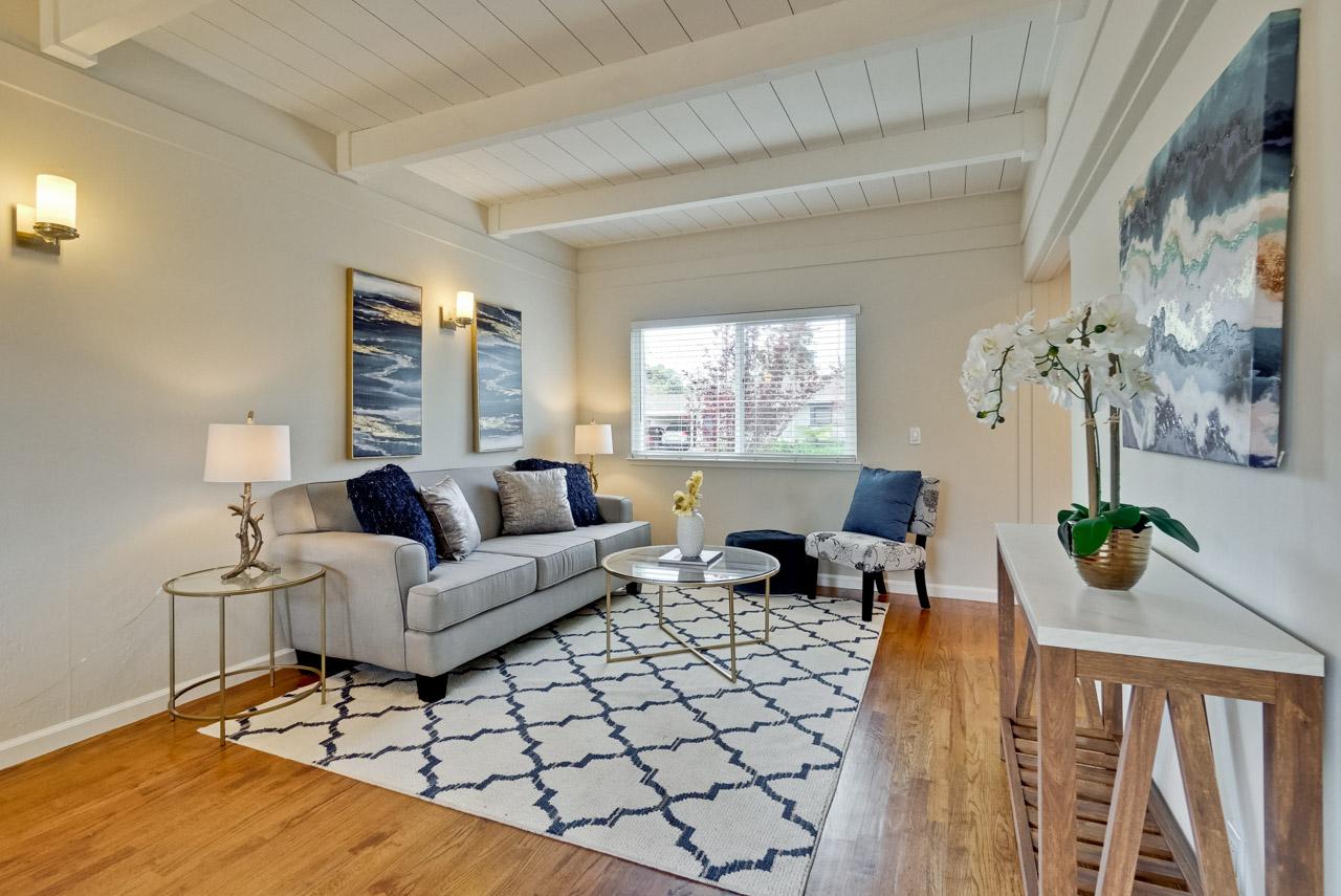 Living Room      3_mls.jpg