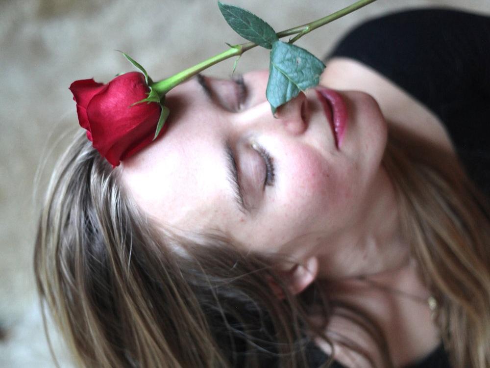 rosalie+sensual.jpg