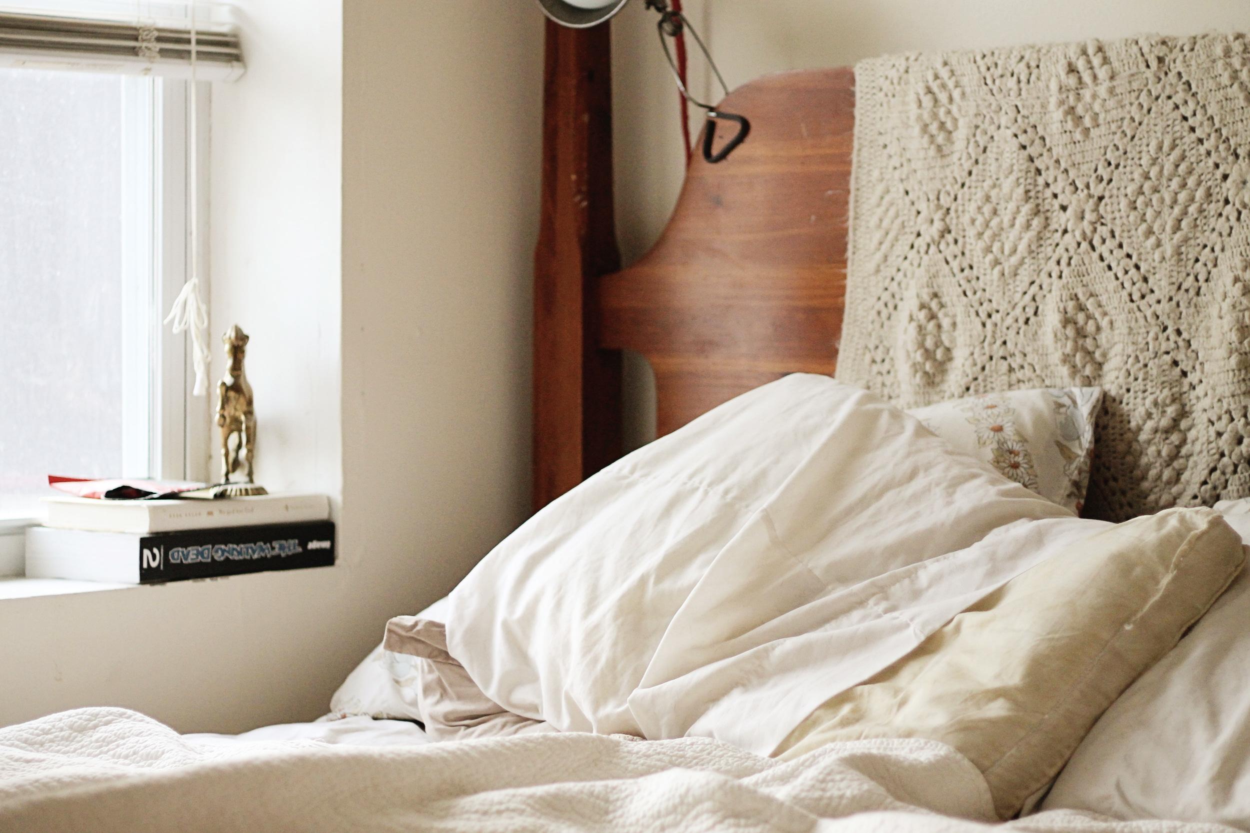 sleeping in   via bekuh b.
