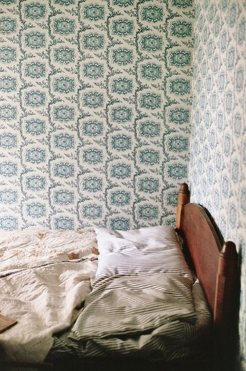 vintage wallpaper inspiration | image via: bekuh b.