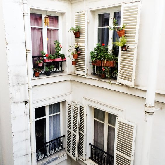 paris balconies | image via: bekuh b.