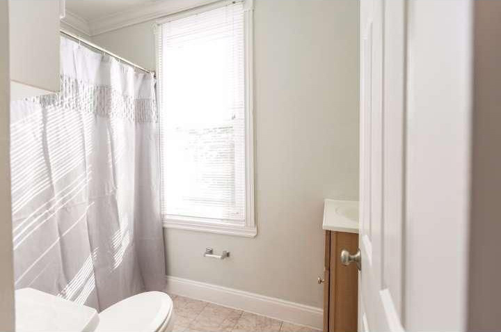 chatham st. house bathroom | via: bekuh b.