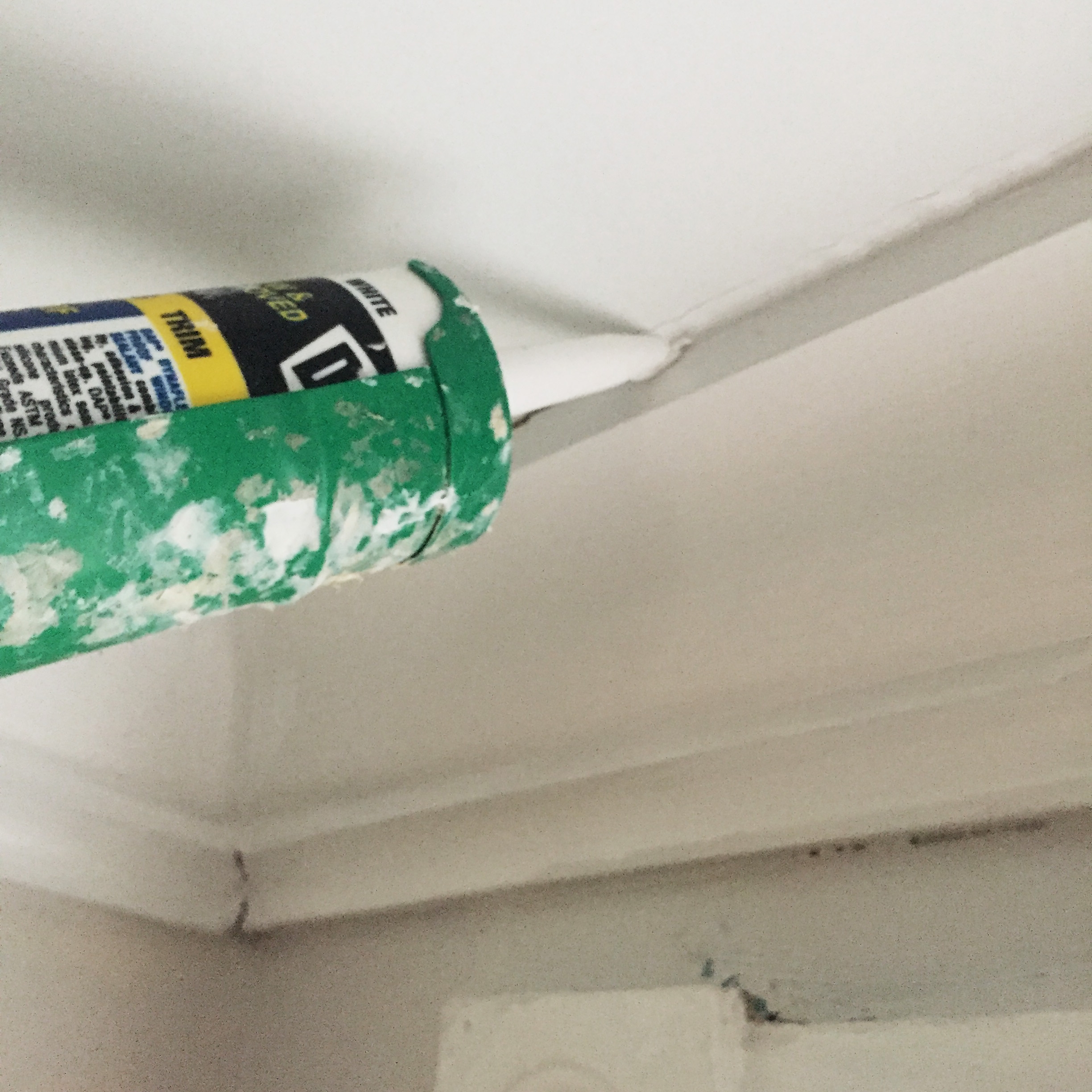 weekend projects: caulking tips | via:  chatham st. house