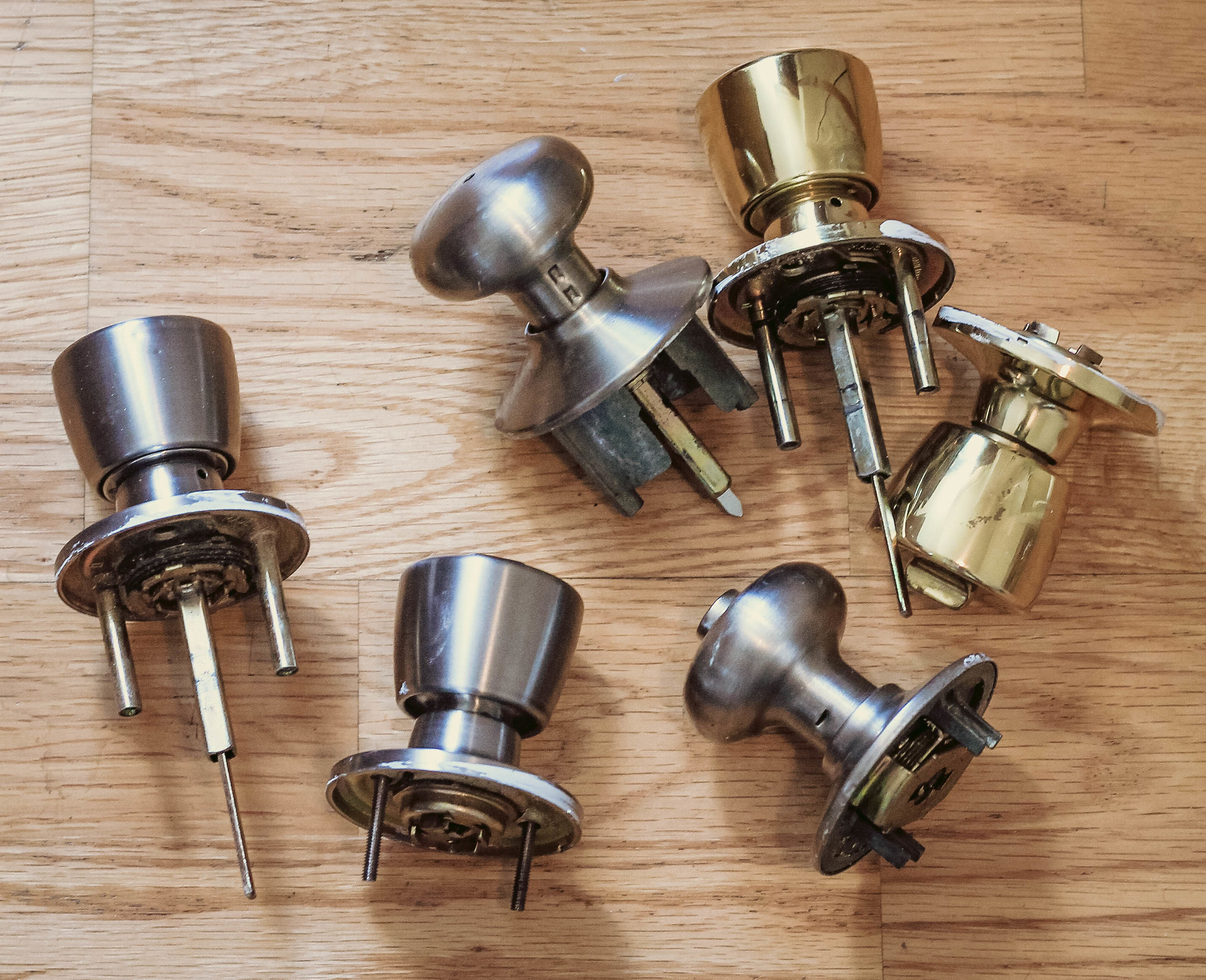 weekend projects pt. 2 | mismatched door knobs | via: chatham st. house