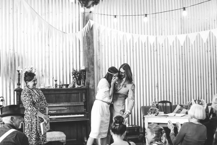larahotzphotography_indie_wedding_kangeroo_valley_0051.jpg