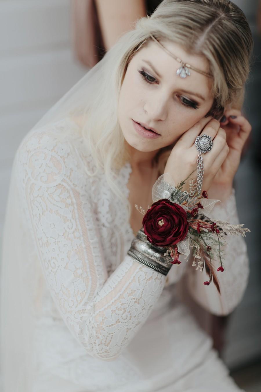boho-tipi-wedding-sheraton-port-douglas-oli-sansom-10-900x0-c-default.jpg