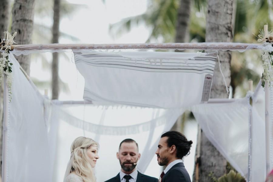 boho-tipi-wedding-sheraton-port-douglas-oli-sansom-16-900x0-c-default.jpg