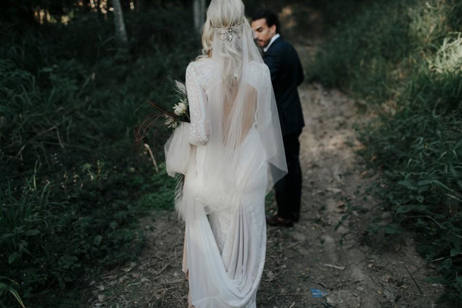boho-tipi-wedding-sheraton-port-douglas-oli-sansom-27-900x0-c-default.jpg