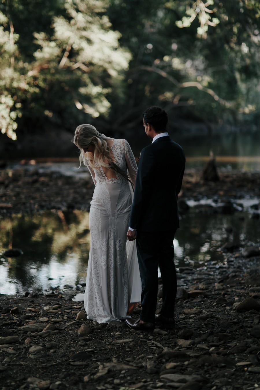 boho-tipi-wedding-sheraton-port-douglas-oli-sansom-29-900x0-c-default.jpg