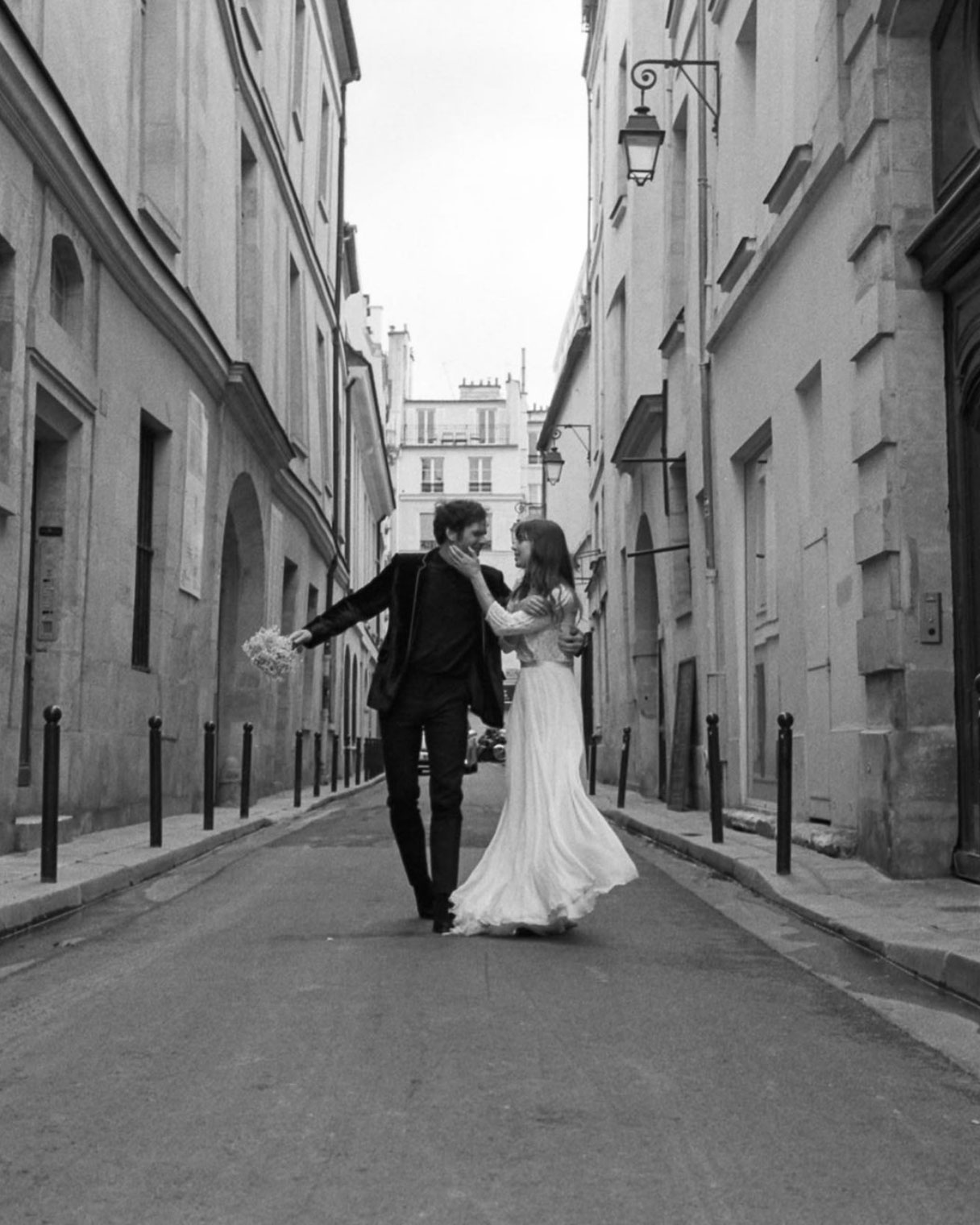 Phil-Chester-Sara-Byrne-Paris-Elopement-07.jpg