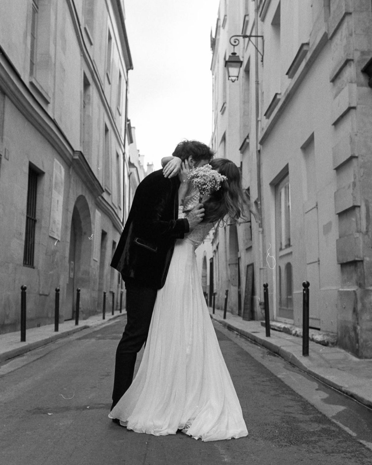 Phil-Chester-Sara-Byrne-Paris-Elopement-03.jpg