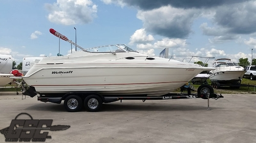2001 WELLCRAFT 2600 MARTINIQUE