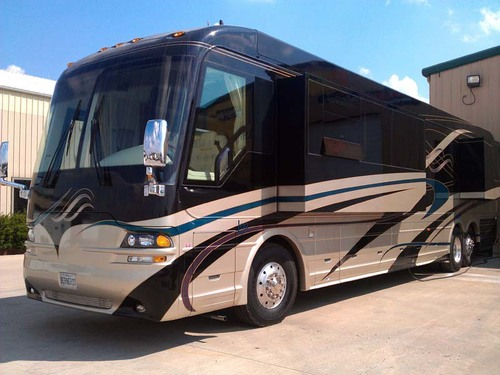 2003 Country Coach 45' Odyssey