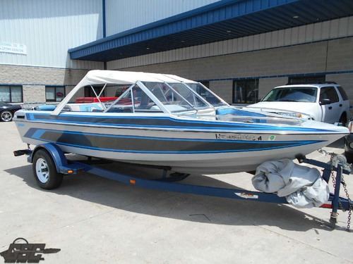 1988 GALAXIE 18 BOW RIDER