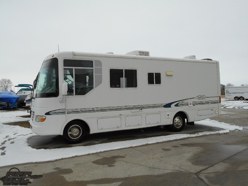 2001 Workhorse Trail Lite M242 Motor home by R-Vision