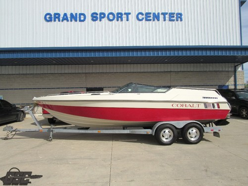 1988 Cobalt 223 Sport Cuddy